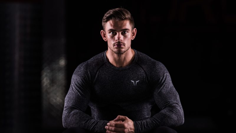 Seamless Dry-Knit Tee – Performance Meets Comfort